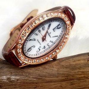 Jewelry - Crystal Oval Watch